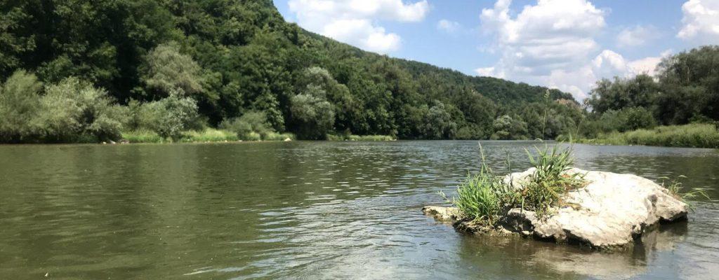 splav rieky Váh na kajaku